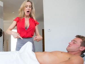 Stepmom Brandi massages him into 3some