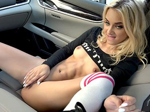 Teen Uma Jolie gets pussy fuck hard inside the strangers car
