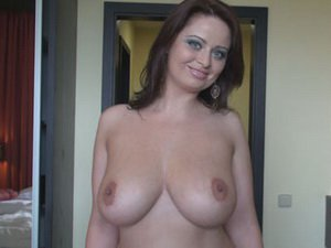 Sexy MILF Sirale goes nude