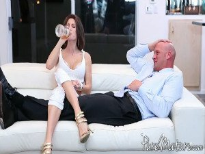 Jenni Lee - Couch Surfing