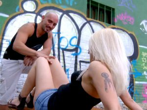 Cute blonde Venus analfucked outdoor