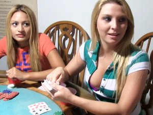 Amateur teen coed eats pussy on poker table