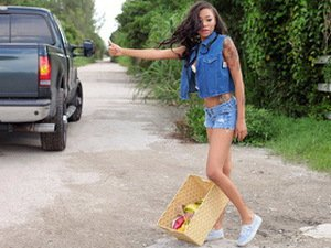 Ebony teen Diamond Monroe pays sex in exchange for a ride