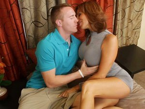 Tara Holiday - My Friend's Hot Mom
