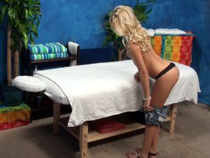 Roxxi Silver fucked on the massage table