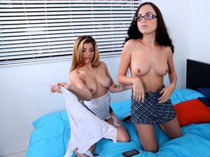 Roxanne Rae - Sexting After School
