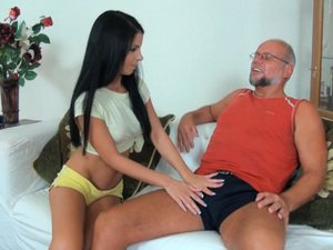 Beautiful Jessyka Swan plays with old daddy