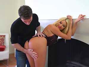 Summer Brielle provokes prick with her pussy
