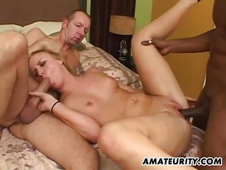 Amateur girlfriend interracial 3some with facial shots
