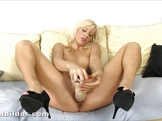 Amazing blonde Bella Morgan cums on a big brutal dildo