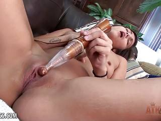 Horny Devyn Heart plays with her minge
