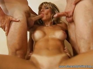 Horny MIlF Swinger Grab Three Fat Dick