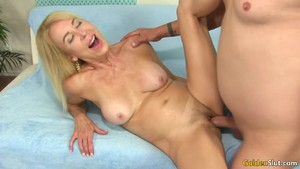 Long Dicked Dude Bangs GILF Erica Lauren